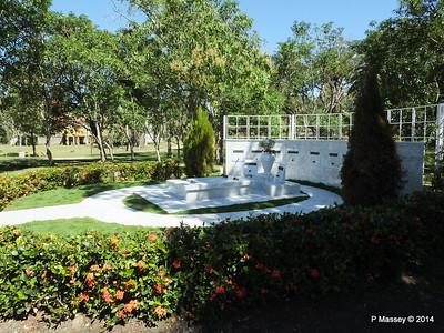 Castro Family Graves 05-02-2014 11-54-32