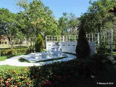 Castro Family Graves 05-02-2014 11-54-29