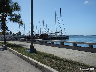 Along Calle 35 approaching the Yacht Club 08-02-2014 12-34-32