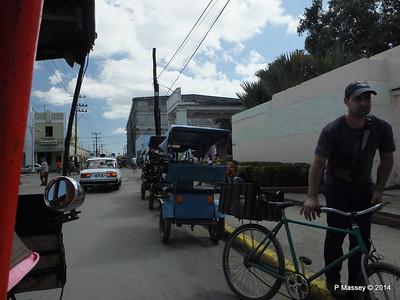 Along Avenida 48 Cienfuegos 08-02-2014 12-21-00
