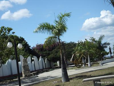 Sculpture Park Cienfuegos 08-02-2014 12-41-53