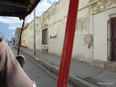 Along Avenida 48 Cienfuegos 08-02-2014 12-20-01