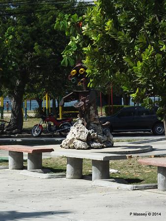 Sculpture Park Cienfuegos 08-02-2014 12-40-43