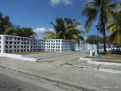 Along Avenida 22 Punta Gorda Cienfuegos 08-02-2014 12-28-29