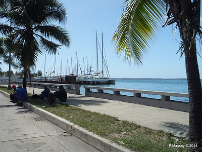 Along Calle 35 approaching the Yacht Club 08-02-2014 12-34-028