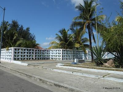 Along Avenida 22 Punta Gorda Cienfuegos 08-02-2014 12-28-27