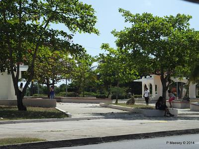 Along Praseo El Prado Calle 37 Cienfuegos 08-02-2014 12-26-17