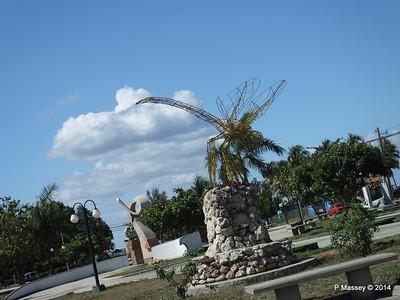 Sculpture Park Cienfuegos 08-02-2014 12-41-51