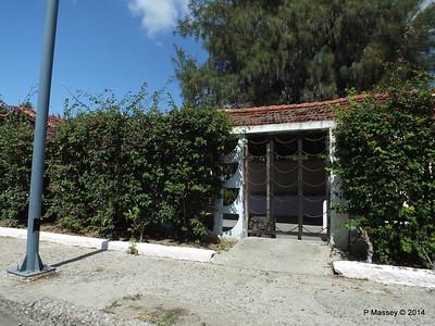Along Avenida 22 Punta Gorda Cienfuegos 08-02-2014 12-28-47