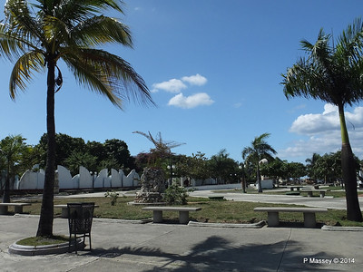 Sculpture Park Cienfuegos 08-02-2014 12-41-46