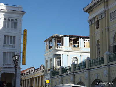 Cubatur office under renovation Heredia y General Lacret Santiago de Cuba 06-02-2014 15-58-48