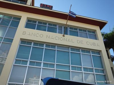 Banco Nacional de Cuba Cespedes Park Santiago de Cuba 06-02-2014 15-54-45