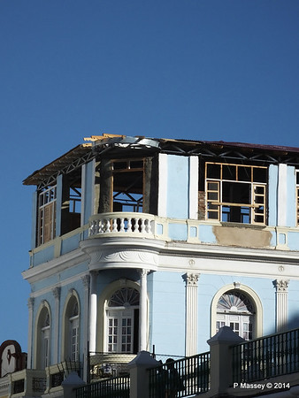 Cubatur office under renovation Heredia y General Lacret Santiago de Cuba 06-02-2014 15-58-56