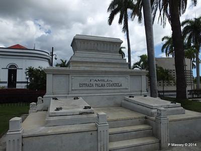 Familia Estrada Palma Cuardiola Santa Ifigenia Cemetery 06-02-2014 13-06-20