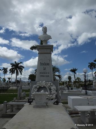 Totan Bacardi Santa Ifigenia Cemetery 06-02-2014 13-05-55