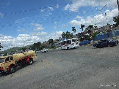 Avenida Jesus Menendez Santiago de Cuba 06-02-2014 12-52-34