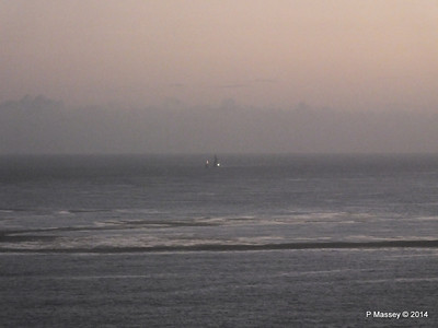 Unknown Tug & Dredger Rig Havana 03-02-2014 06-49-11