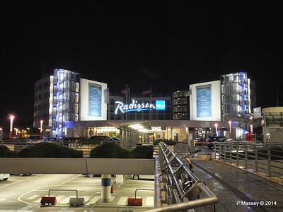 Radisson Blu Hamburg Airport PDM 07-11-2014 22-31-23