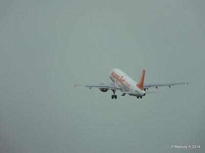 easyJet A319 G-EZJF HAM PDM 08-11-2014 11-32-39