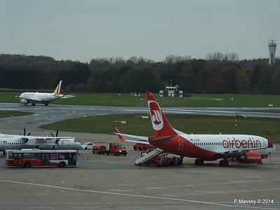 Air Berlin D-AHXC Germanwings D-AGWX HAM 08-11-2014 11-37-10