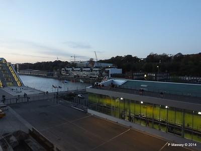 Cruise Terminal Altona Hamburg PDM 08-11-2014 16-49-50