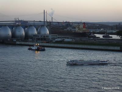 NJORD ms HAMBURGER DEERN Hamburg PDM 08-11-2014 16-33-24