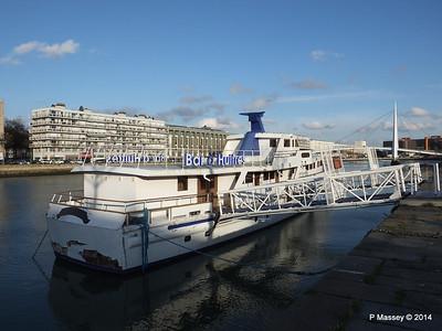 CAROLINE Closed Oyster Bar Bassin du Commerce Le Havre PDM 10-11-2014 16-46-53