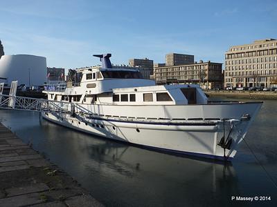 CAROLINE Closed Oyster Bar Bassin du Commerce Le Havre PDM 10-11-2014 16-45-38