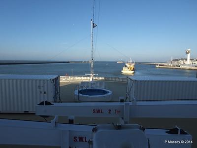 DANIEL LAVAL over MSC MAGNIFICA Bow Le Havre PDM 10-11-2014 10-40-044