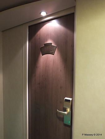 Cabin 9018 Door Deck 9 MSC MAGNIFICA PDM 09-11-2014 15-47-56