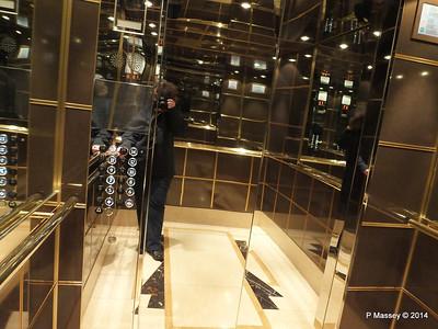 Elevator aft MSC MAGNIFICA PDM 09-11-2014 11-42-22