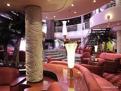 Le Gocce Bar Reception Atrium MSC MAGNIFICA PDM 09-11-2014 16-32-23