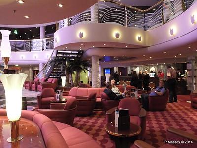 Le Gocce Bar Reception Atrium MSC MAGNIFICA PDM 09-11-2014 16-32-27