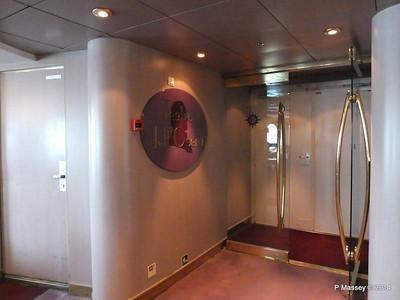 Sotto Vento Pub to Teatro dell'Opera Port Aida Deck 5 MSC OPERA PDM 06-10-2014 16-34-58