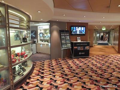 Via Condotti Shopping Aida deck 5 stb MSC OPERA PDM 06-10-2014 12-50-003