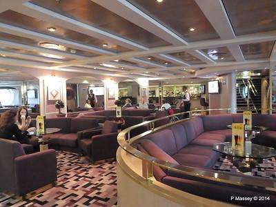 Sotto Vento Pub Fwd Aida Deck 5 MSC OPERA PDM 06-10-2014 16-33-45