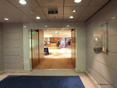 Sotto Vento Pub Port to Reception Aida Deck 5 MSC OPERA PDM 06-10-2014 16-35-25