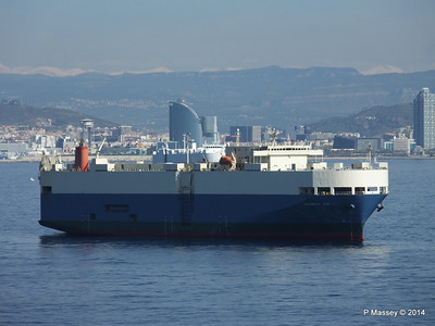 AQUARIUS ACE IMOLA EXPRESS behind Barcelona Roads PDM 06-04-2014 09-48-12