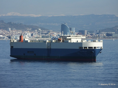 AQUARIUS ACE IMOLA EXPRESS behind Barcelona Roads PDM 06-04-2014 09-48-06