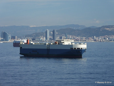 AQUARIUS ACE IMOLA EXPRESS behind Barcelona Roads PDM 06-04-2014 09-48-35