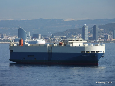 AQUARIUS ACE IMOLA EXPRESS behind Barcelona Roads PDM 06-04-2014 09-48-23