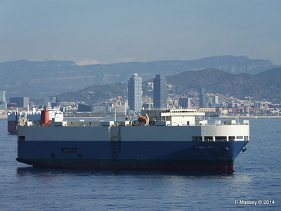 AQUARIUS ACE IMOLA EXPRESS behind Barcelona Roads PDM 06-04-2014 09-48-32