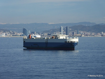 AQUARIUS ACE IMOLA EXPRESS behind Barcelona Roads PDM 06-04-2014 09-48-26