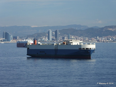 AQUARIUS ACE IMOLA EXPRESS behind Barcelona Roads PDM 06-04-2014 09-48-38