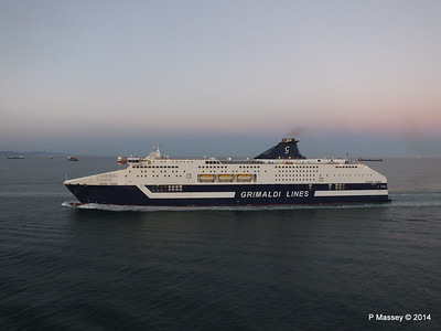 CRUISE ROMA Arriving Barcelona PDM 06-04-2014 18-28-08
