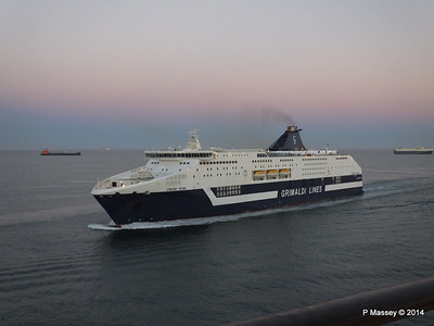 CRUISE ROMA Arriving Barcelona PDM 06-04-2014 18-27-52