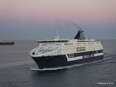 CRUISE ROMA Arriving Barcelona PDM 06-04-2014 18-27-41