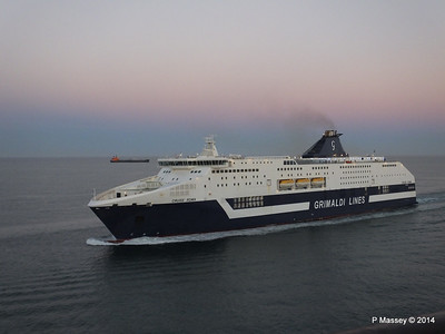CRUISE ROMA Arriving Barcelona PDM 06-04-2014 18-27-55