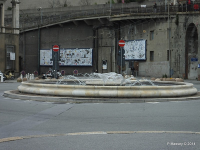 Via Andrea Doria Fountain Genoa PDM 05-04-2014 07-42-32
