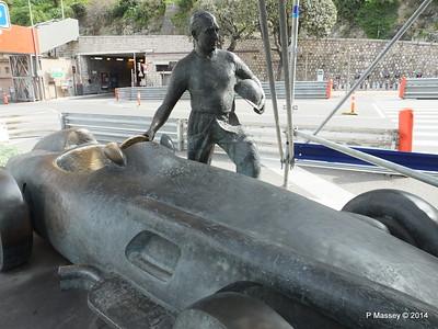 Juan Manuel Fangio Sculpture Monaco 07-04-2014 13-34-57